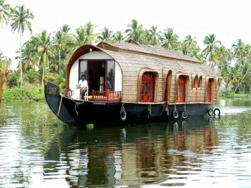 Aqua Jumbo Houseboats Kerala | Eco Houseboat Packages